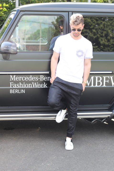 black-white-elvis-lamoureux-lamo-outfit-ootd-slimani-mercedes-benz-fashion-week-topman-asos-hm-casio-4-blackwhite-2